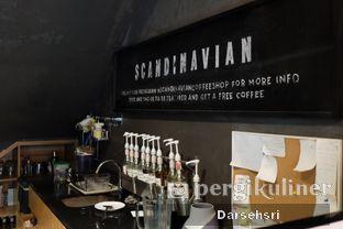 Foto 10 - Interior di Scandinavian Coffee Shop oleh Darsehsri Handayani