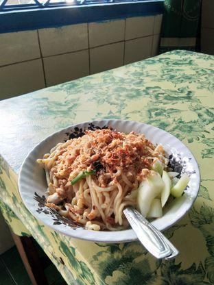 Foto 1 - Makanan di Pangsit Tenda Biru oleh ochy  safira