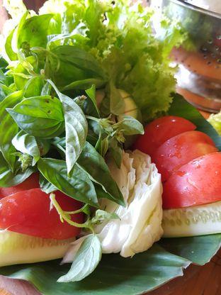 Foto 6 - Makanan(Lalab) di Warung Cepot oleh Clara Yunita
