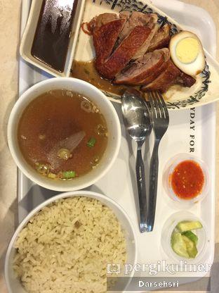 Foto 7 - Makanan(Nasi Hainam Bebek Panggang) di Eastern Kopi TM oleh Darsehsri Handayani