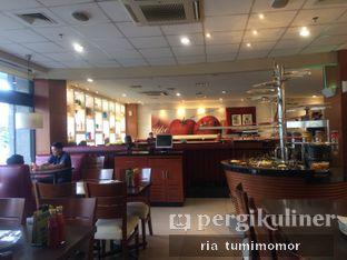 Foto 2 - Interior di Pizza Hut oleh riamrt