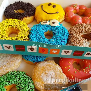 Foto 1 - Makanan di Dunkin' Donuts oleh EATIMOLOGY Rafika & Alfin