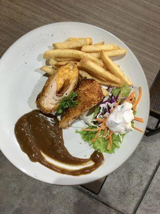 Foto review Beranda Depok Cafe & Resto oleh Prido ZH 10