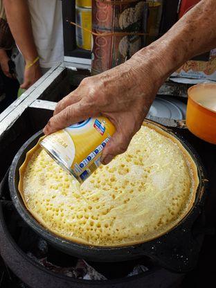 Foto 1 - Makanan di Martabak Encek (Martabak Bangka Legendaris Gg. Aut) oleh Olivia @foodsid
