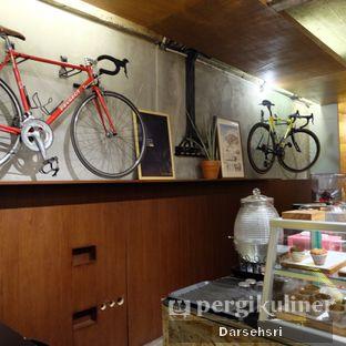 Foto 3 - Interior di Sana Coffee oleh Darsehsri Handayani