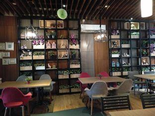 Foto 7 - Interior di De Cafe Rooftop Garden oleh yeli nurlena
