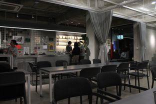 Foto 3 - Interior di Tu7uhari Coffee oleh Prido ZH