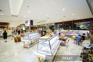 Foto 2 - Interior di Foodmart Primo oleh @teddyzelig