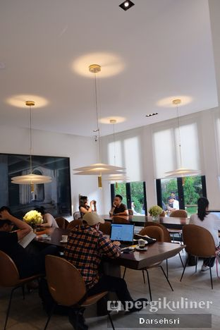 Foto 8 - Interior di Titik Temu Coffee oleh Darsehsri Handayani