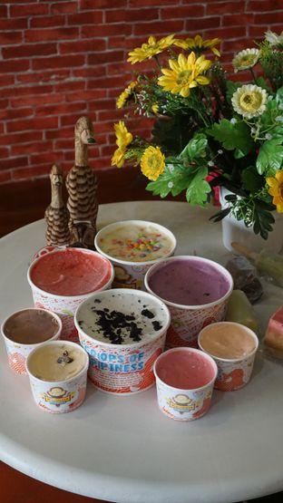 Foto review Karimata Ice Cream - Es Krim Tempo Doeloe oleh Theodora  5