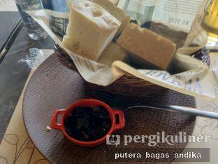 Foto 3 - Makanan(Pane Assortiti) di Mangiamo Buffet Italiano oleh Putera Bagas Andika