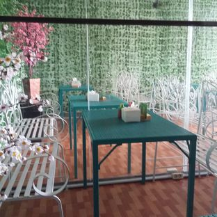 Foto 2 - Interior di Ecology Cafe oleh Andin | @meandfood_