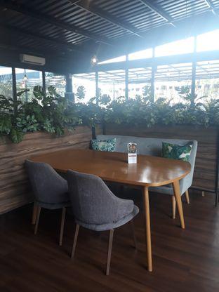 Foto 7 - Interior di Kaca Coffee & Eatery oleh Mouthgasm.jkt