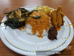 Foto 1 - Makanan di RM Sederhana Padang oleh Deasy Lim