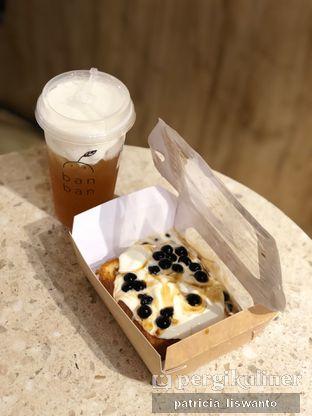 Foto 1 - Makanan(rose cheese tea & bobba pan) di Ban Ban oleh Patsyy