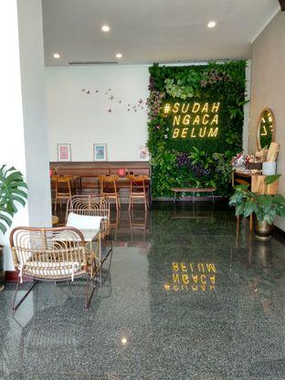 Foto 4 - Interior di Kaca Coffee & Eatery oleh Ika Nurhayati