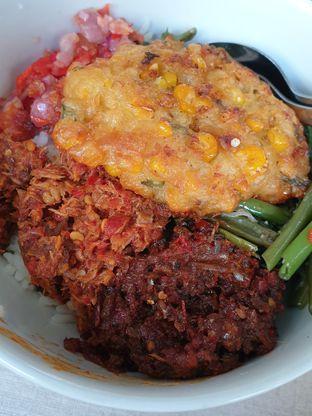 Foto 3 - Makanan di Warong Sombar oleh imanuel arnold