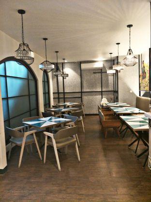 Foto 10 - Interior di Aromanis oleh thehandsofcuisine