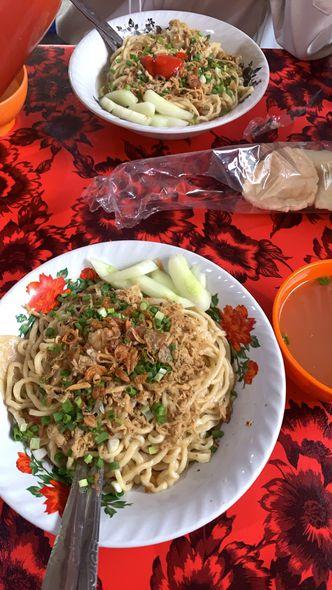 Foto Makanan di Pangsit Telkom Dinoyo