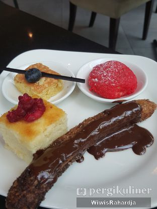 Foto 9 - Makanan di Collage - Hotel Pullman Central Park oleh Wiwis Rahardja