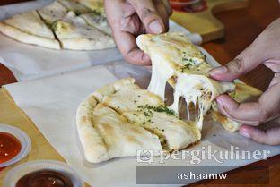 Foto 2 - Makanan di Master Cheese Pizza oleh Asharee Widodo