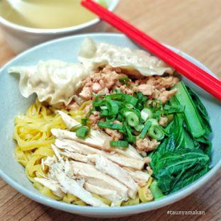 Foto 2 - Makanan di Bakmi Rudy oleh culinarypurple
