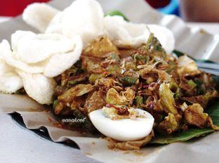 Foto 6 - Makanan di Soto Mie Puri H.Darjo oleh Nanakoot