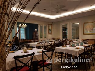 Foto 9 - Interior di Meradelima Restaurant oleh Ladyonaf @placetogoandeat