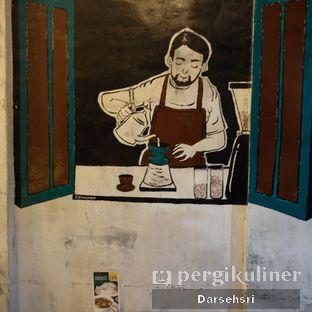 Foto 2 - Interior di Mokapot Coffee Talk oleh Darsehsri Handayani