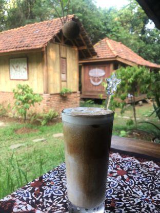 Foto 2 - Makanan(Ice Latte) di Rumah Kopi Ranin oleh RI 347 | Rihana & Ismail