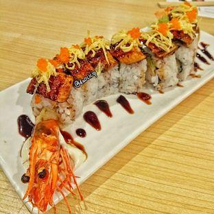 Foto 4 - Makanan(Unagi Dragon Roll) di Ippeke Komachi oleh felita [@duocicip]