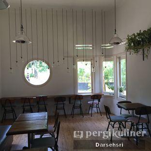 Foto 1 - Interior di Kuki Store & Cafe oleh Darsehsri Handayani