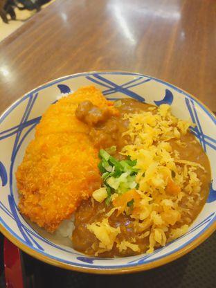 Foto 1 - Makanan(Chicken katsu curry rice (IDR 54k) ) di Marugame Udon oleh Renodaneswara @caesarinodswr