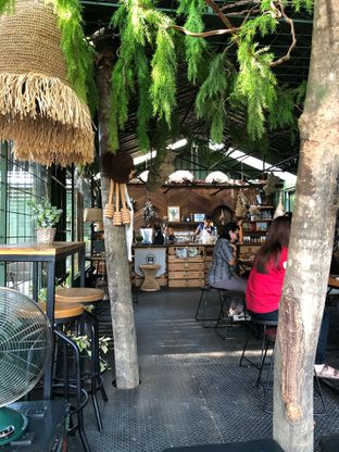 Foto 2 - Interior di Rustic Market oleh @yoliechan_lie