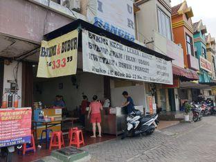 Foto 1 - Eksterior di Bakmi & Bubur 333 oleh Ken @bigtummy_culinary