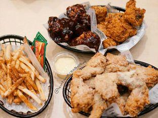 Foto 1 - Makanan di Wingstop oleh Huntandtreasure.id