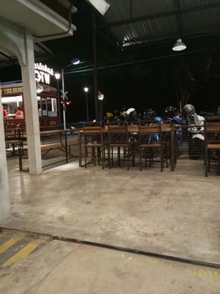 Foto 4 - Eksterior di OTW Food Street oleh Novia Maulidya