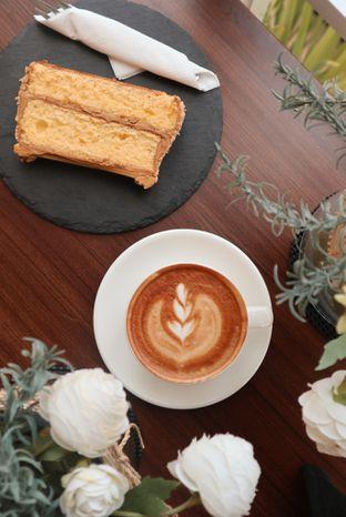 Foto 1 - Makanan di Caffeine Suite oleh thehandsofcuisine