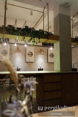 Foto 6 - Interior di Doma Dona Coffee oleh Shanaz  Safira