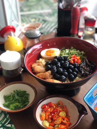 Foto 2 - Makanan di Universal Noodle Ichiro Ochazuke Ramen oleh @Perutmelars Andri