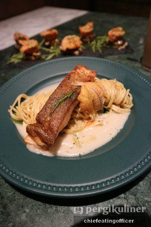 Foto 2 - Makanan(Salmon Lodeh Pasta) di Arrack & Spice oleh Cubi