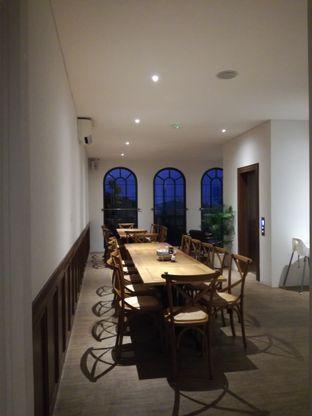 Foto 1 - Interior di Red Door Koffie House oleh Lili Alexandra