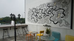 Foto 2 - Interior di Morethana Minilib & Coffee oleh Theodora