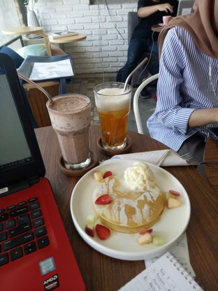 Foto 1 - Makanan di Ruang Temu Coffee & Eatery oleh Atikah Joban