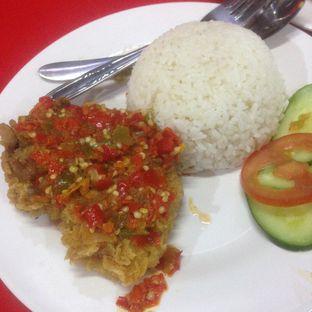 Foto 2 - Makanan(Paket Komplit Geprek) di Ayam Dadar Bandung oleh Dianty Dwi