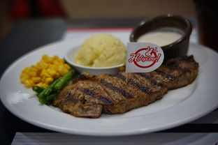 Foto 1 - Makanan(Wagyu Sirloin Steak) di Holycow! STEAKHOUSE by Chef Afit oleh Fadhlur Rohman