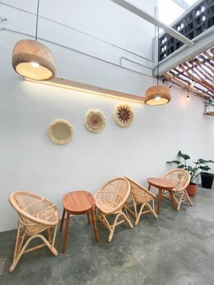 Foto 10 - Interior di Lanell Coffee oleh houseofoodies
