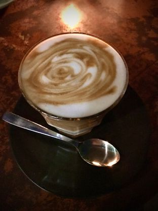 Foto 2 - Makanan(Hot Caramel Latte) di Sierra oleh Fadhlur Rohman