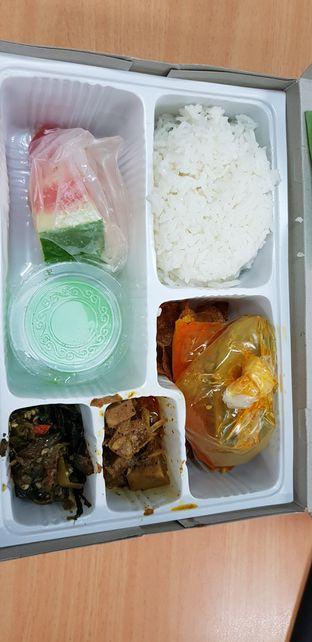 Foto 2 - Makanan di RM Pangeran Khas Minang oleh Meri @kamuskenyang