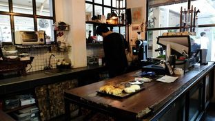 Foto 3 - Interior di But First Coffee oleh YSfoodspottings